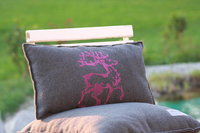 heimatrauschen siebdruckhandwerk und kuscheldecke. Black Bedroom Furniture Sets. Home Design Ideas